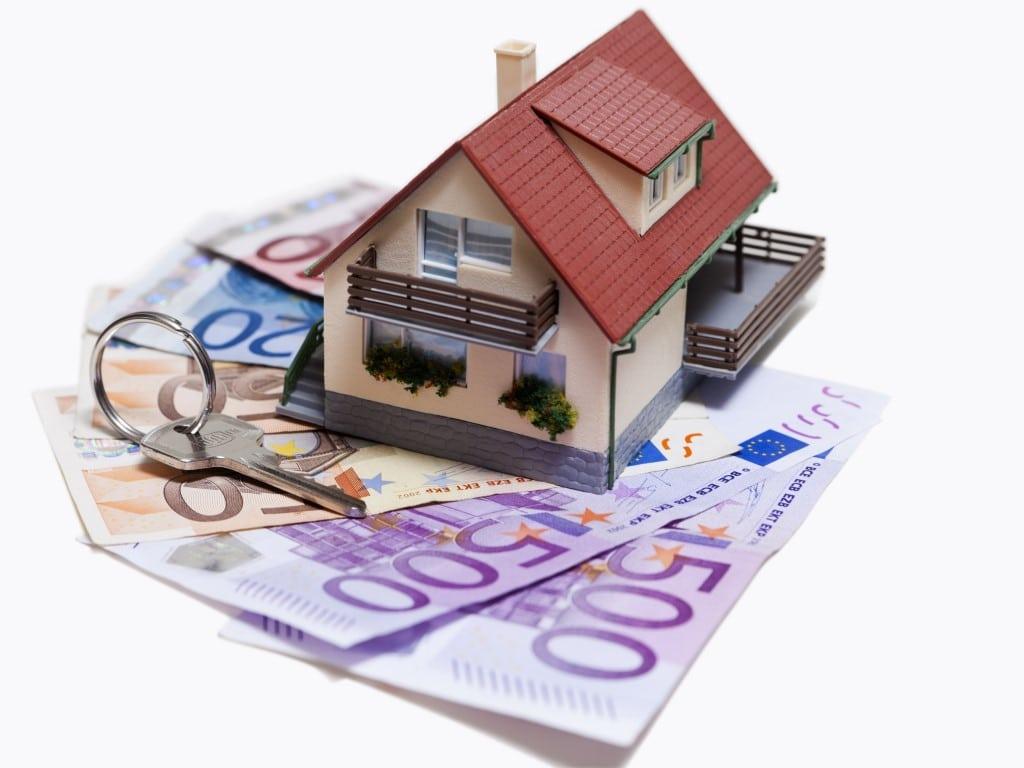 Des billets d'euros pour louer un logement